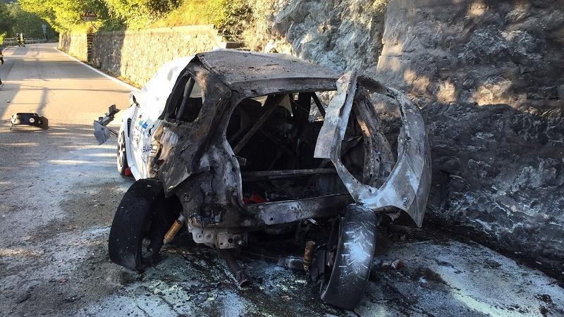 auto-rally-incendiata.jpg